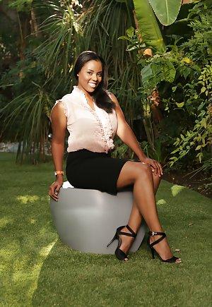 Ebony Sexy Legs Pics