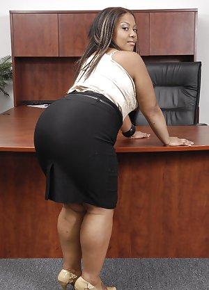 Huge Ebony Booty Pics